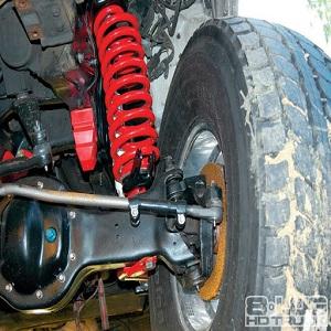 4WD suspension.